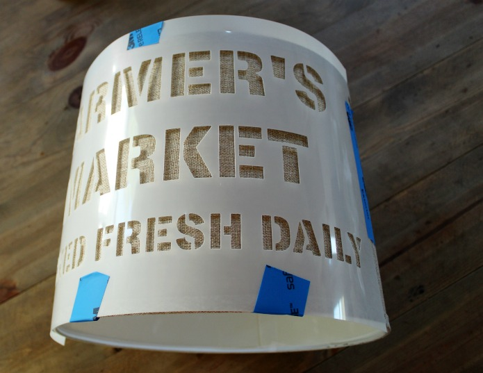 How to paint a lamp shade with a stencil | www.knickoftime.net