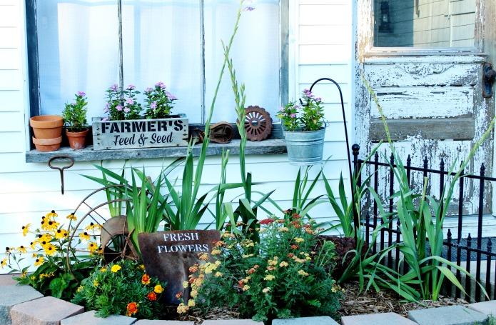 Painted rusty shovel sign with Fresh Flowers Vintage Sign Stencil for junk garden flower garden decor   www.knickoftime.net