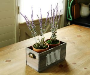 Potted faux lavender aromatherapy table centerpiece | www.knickoftime.net