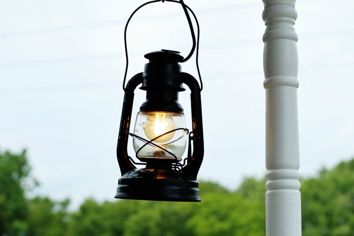Repurposed oil lamp hanging light fixture for farmhouse porch | www.knickoftime.net