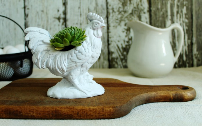 Thrift store rooster planter into a farmhouse style upcycled succulent planter | www.knickoftime.net