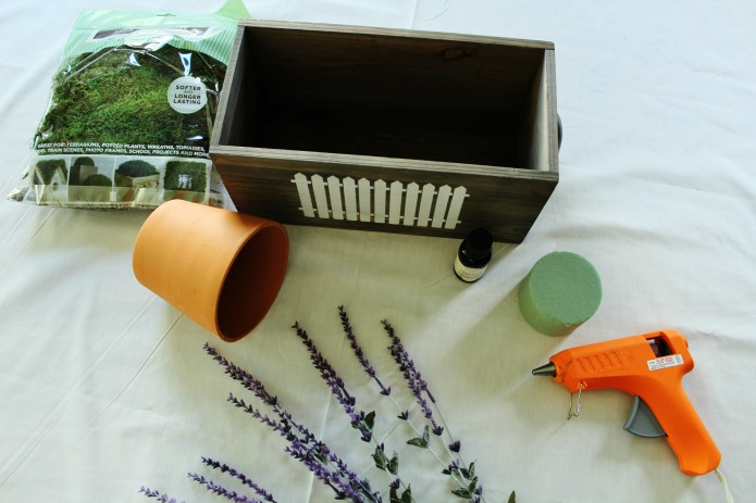 How to Make an Aromatherapy Faux Lavender Scented Centerpiece by Knick of Time | www.knickoftime.net
