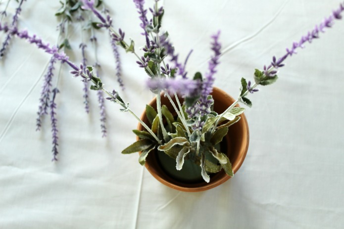 How to Make a Faux Lavender Scented Centerpiece by Knick of Time | www.knickoftime.net