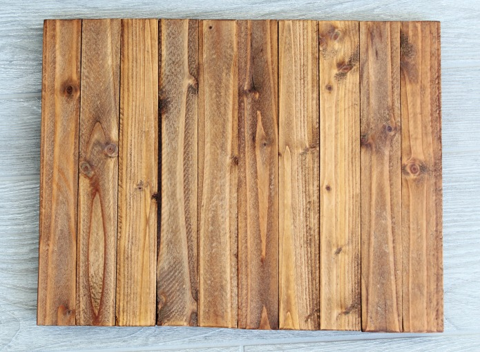 How to make a wedding sign on faux DIY pallet wood how to | www.knick of time.net