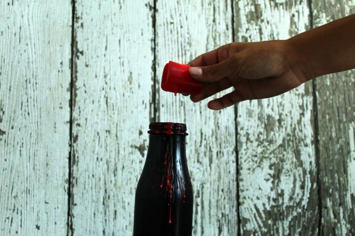 Bloody painted Bottles DIY Halloween party decoration ideas | www.knickoftime.net