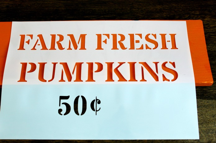 How to make a Fall Pumpkin Patch Stenciled Sign | www.knickoftime.net