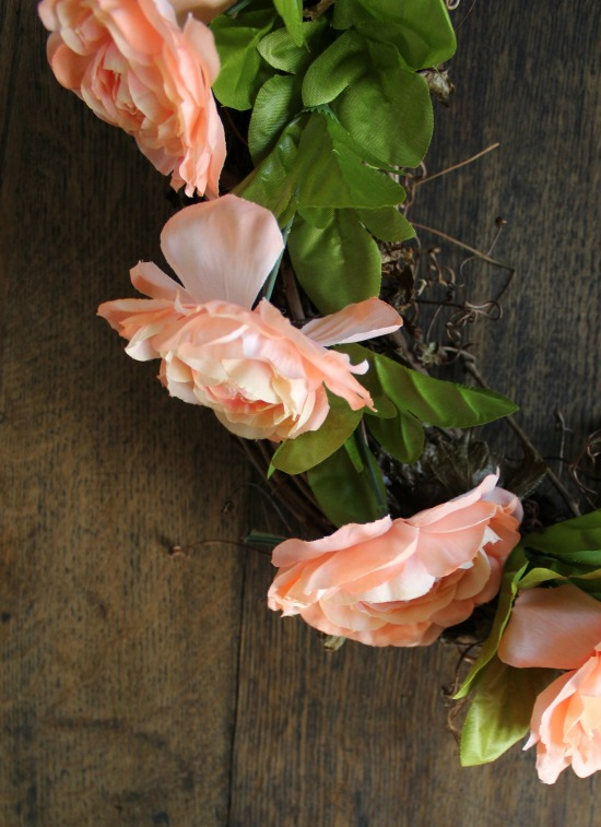 DIY grapevine wreath with a mix of faux and fresh flowers | www.knickoftime.net