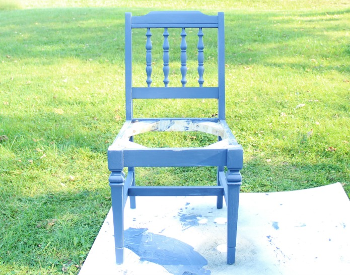 How to paint chair spindles the easy way with video tutorial | www.knickoftime.net