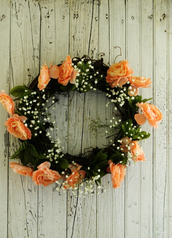 DIY Pale peach flowers with baby's breath grapevine wreath | www.knickoftime.net