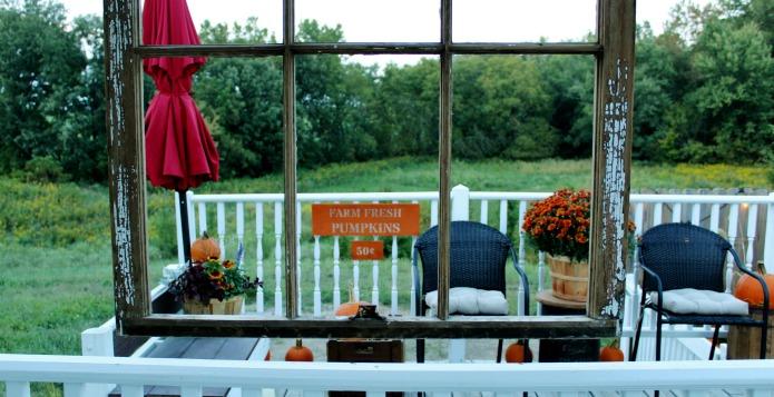 Fall Porch Decorating Ideas | www.knickoftime.net