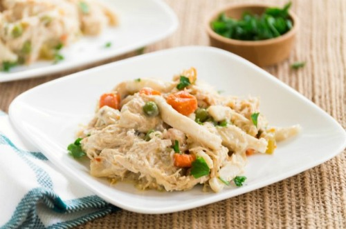 Crockpot Creamy Chicken Noodles Recipe by Housewife How-Tos