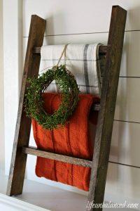 DIY Tabletop Blanket Ladder by Life Unbalanced