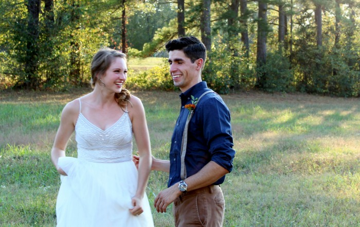 Outdoor fall wedding Bride and Groom | www.knickoftime.net