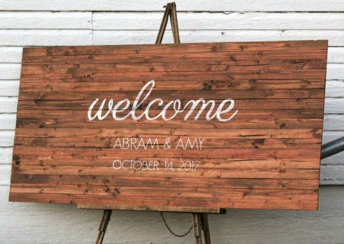 How to make a rustic wooden wedding sign | www.knickoftime.net