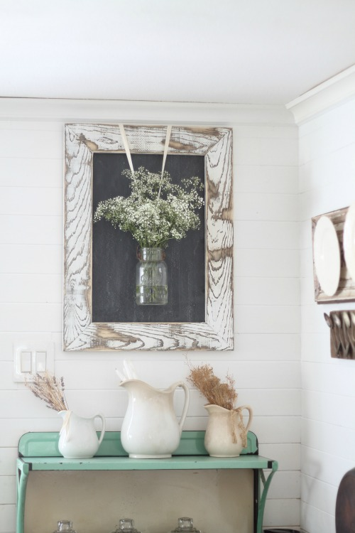 IY rustic chalkboard frame with mason jar hanging flowers | www.knickoftime.net