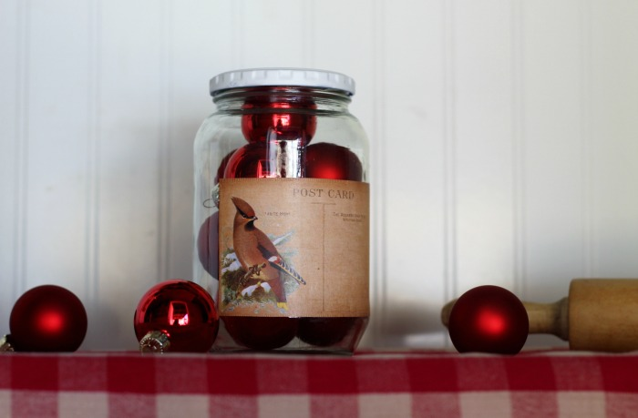 DIY Vintage Style Decorative Christmas Gift Jar with free printable | www.knickoftime.net