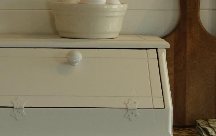 Simple country kitchen makeover - Painted breadbox or kitchen appliance storage | www.knickoftime.net