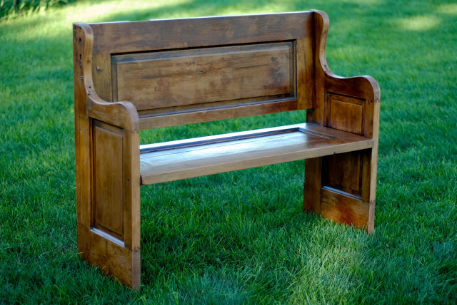 Foyer Seating Year : My new farmhouse entry bench from an old door knick of time