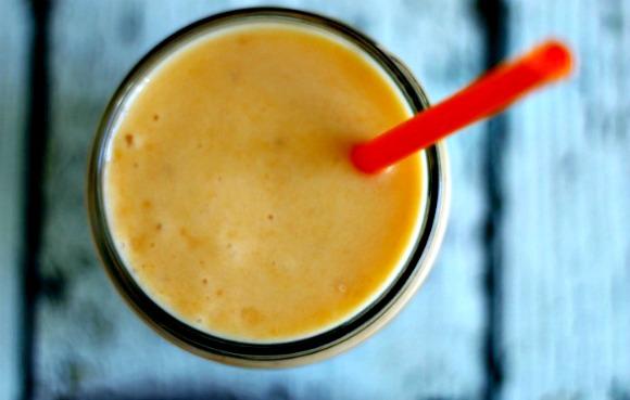 Sunrise Carrot Pineapple Banana Breakfast Smoothie | www.knickoftime.net #knickoftime #breakfast #smoothie
