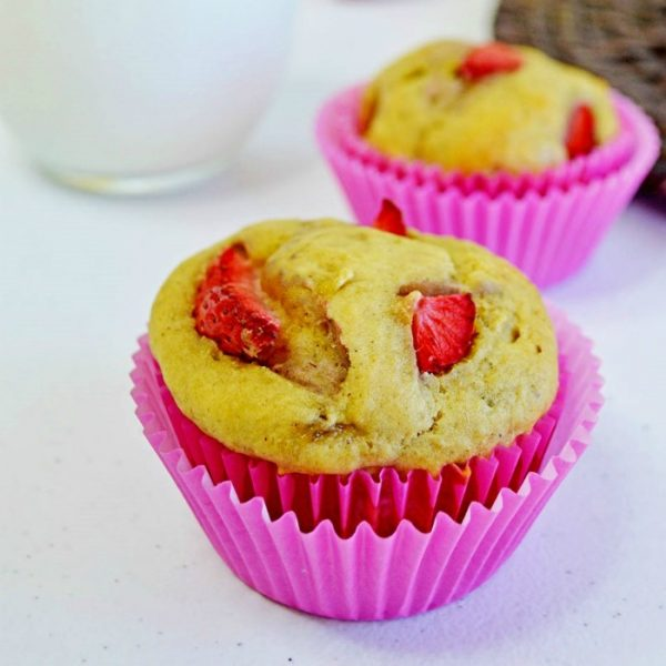 Homemade Banana Strawberry Muffins by Knick of Time