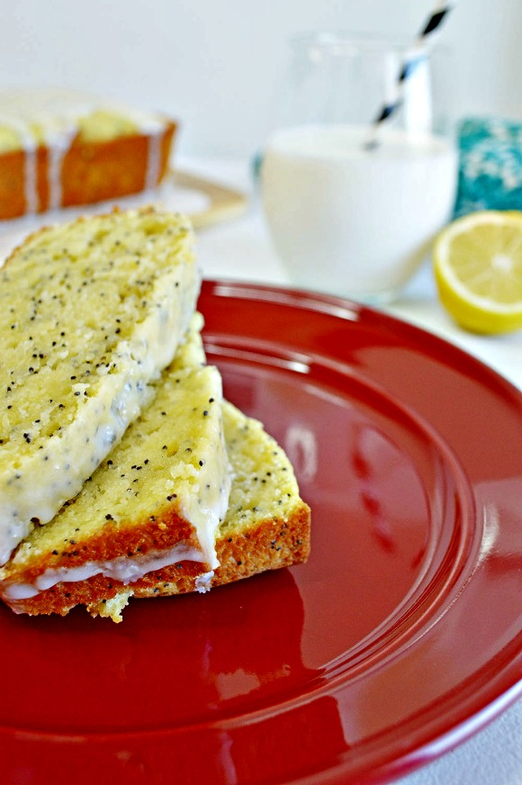 Heavenly Glazed Lemon Poppy Seed Bread Recipe | www.knickoftime.net