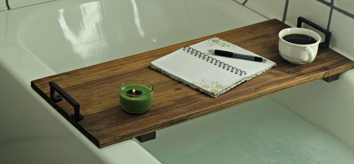 Make your own farmhouse bathroom bathtub tray table with this tutorial from Knick of Time #knickoftime #farmhousebathroom #bathtubtable #DIYproject | www.knickoftime.net