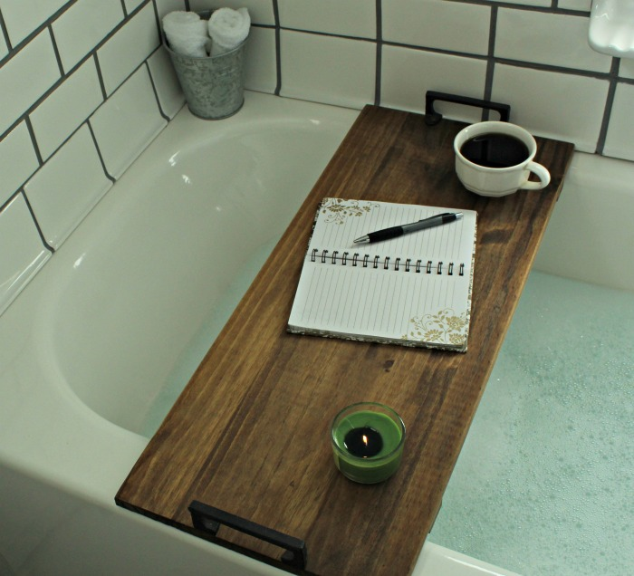 Make your own farmhouse bathroom bathtub table with this tutorial from Knick of Time #knickoftime #farmhousebathroom #bathtubtable #DIYproject | www.knickoftime.net