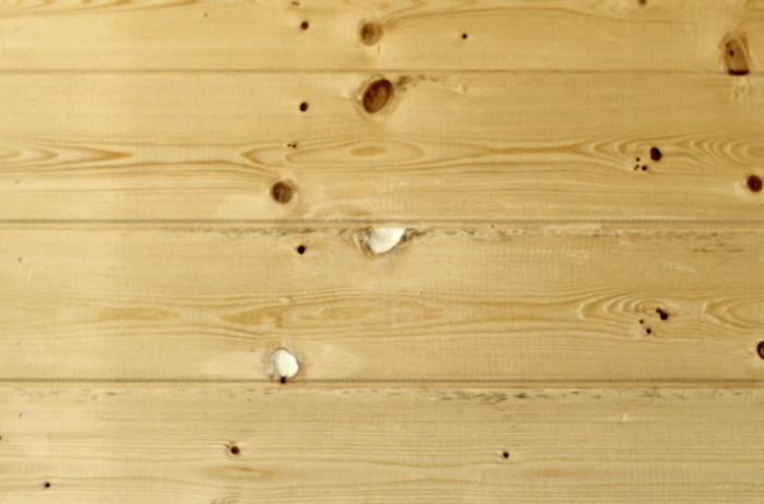Tips & tricks to install wood plank walls the easy way! | www.knickoftime.net