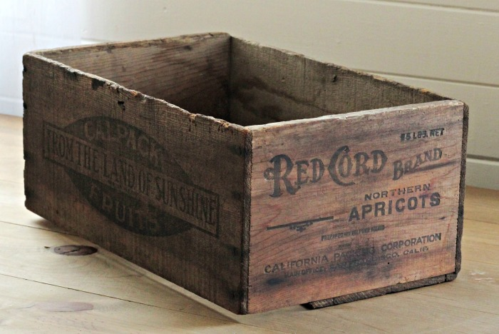 Red Cord Brand Antique Fruit Crate | www.knickoftime.net