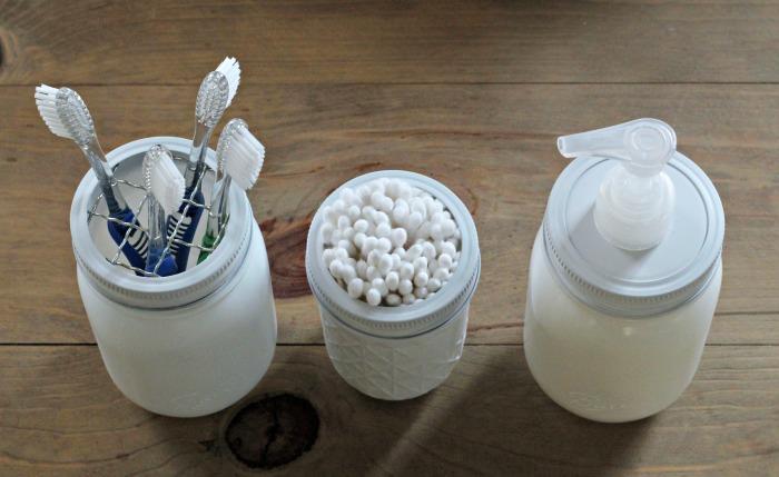Make a Painted Mason Jar Bathroom Storage Set | Tutorial at Knick of Time | www.knickoftime.net