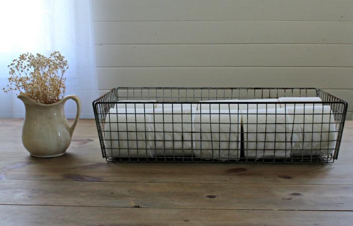 Farmhouse decor antique wire basket | www.knickoftime.net