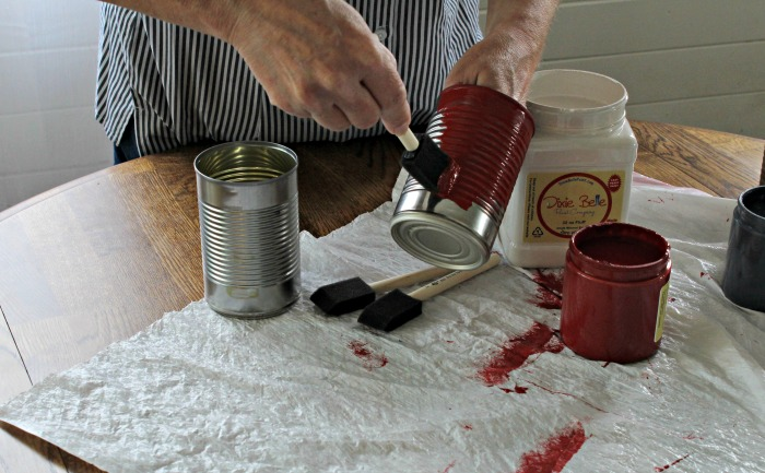 Make Patriotic Tin Can Indoor Kitchen Herb Planters with Dixie Belle chalk paints | www.knickoftime.net