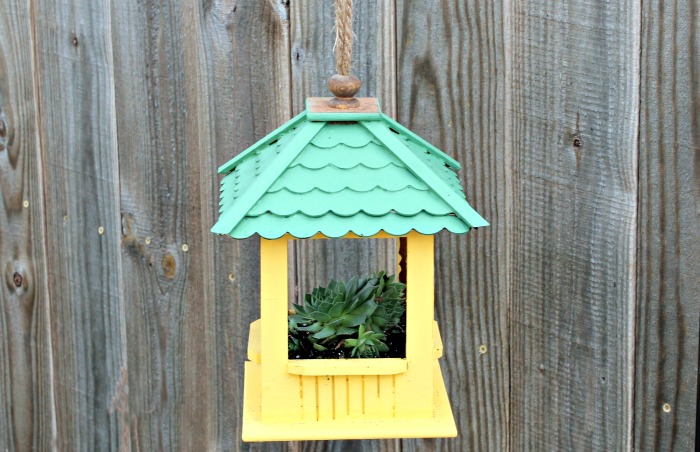 How to Make a Gazebo Succulent Hanging Planter | knickoftime.net