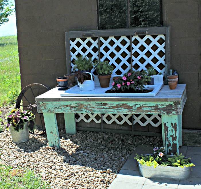 Junk Garden Ideas 2018 Edition: Patio Farmhouse Sink Potting Bench