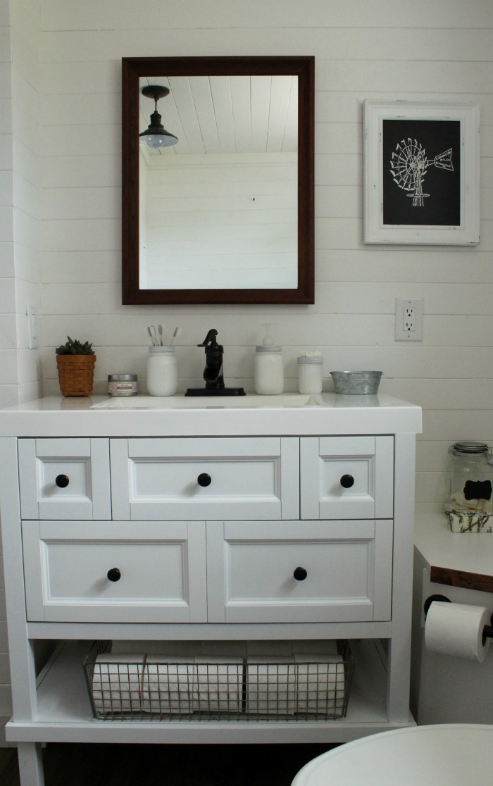 Farmhouse Bathroom Makeover Reveal | knickoftime.net