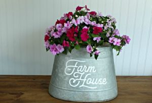Easy DIY Galvanized Farmhouse Style Bucket Planter