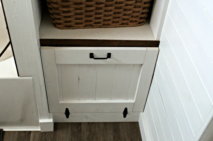 Farmhouse  Bathroom Open Shelves Cabinet with Barn Door Hidden Storage | #knickoftime #farmhouse | https://knickoftime.net #farhousebathroom #storage #barndoor