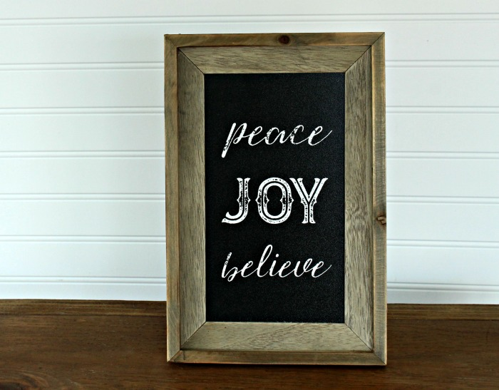 Make this Barnwood Christmas DIY Chalkboard in under 10 minutes! | knickoftime.net
