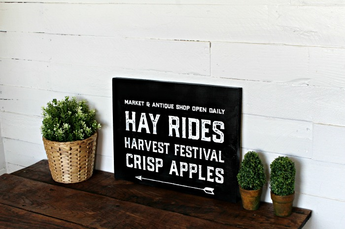 New Fall Farmhouse Decor: Chalk Couture Wood Sign by Knick of Time | knickoftime.net