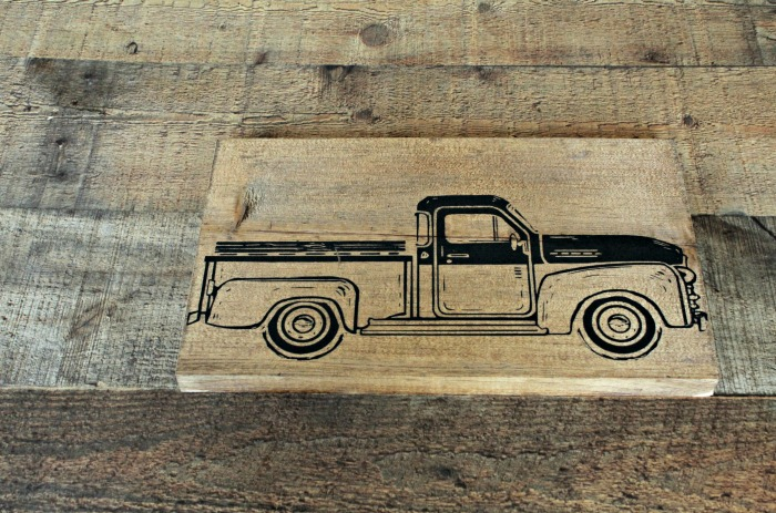 How to Chalk the Vintage Truck on a Stained and Waxed Scrap Wood Board | knickoftime.net