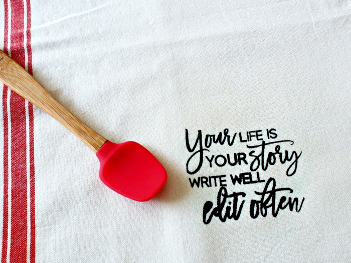 Chalk Couture Your life Story DIY Dish Towel Kitchen Gift Idea tutorial at Knick of Time | knickoftime.net