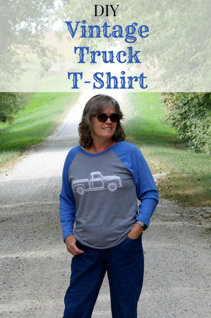 How to Make a DIY Vintage Truck DIY T-Shirt: Chalking Series, Project 10