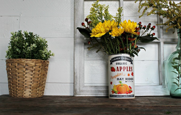 Make this easy Fall Decor Tin Can Flower Vase in under 5 minutes! Directions at Knick of Time | knickoftime.net