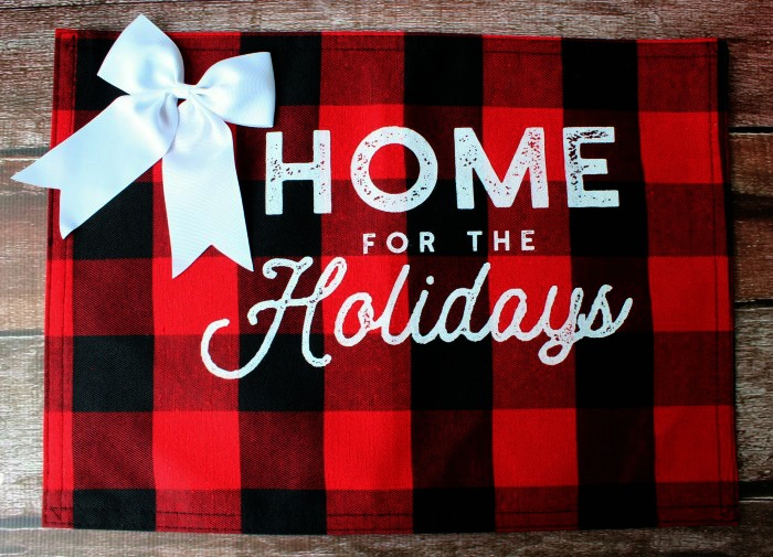 Buffalo Check Christmas Placemats Home for the Holidays by Knick of Time