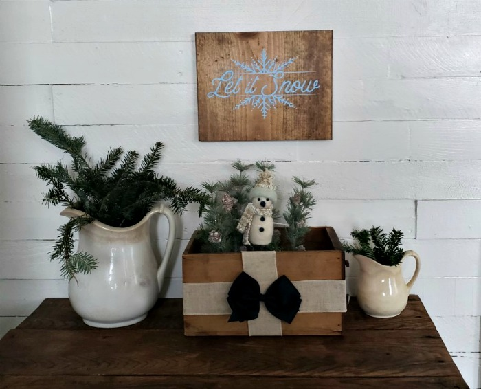 Let It Snow Snowman Crate DIY Wood Sign By Knick of Time | knickoftime.net
