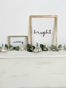 Simple Framed Glass Holiday Floating Signs Northern Feeling