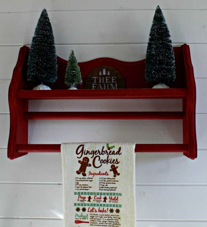 Repurposed Thrift Store Christmas Tea Towel Display Shelf by Knick of Time | knickoftime.net