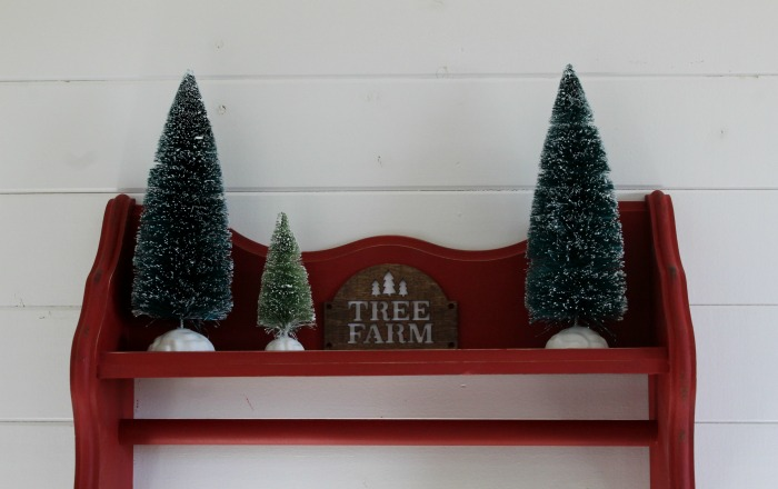 Tea Towel Display Shelf Christmas Upcycle by Knick of Time | knickoftime.net