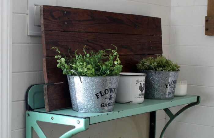 Rustic Farmhouse Pallet Wood Indoor Planters Using Dollar Tree Decor by Knick of Time | knickoftime.net