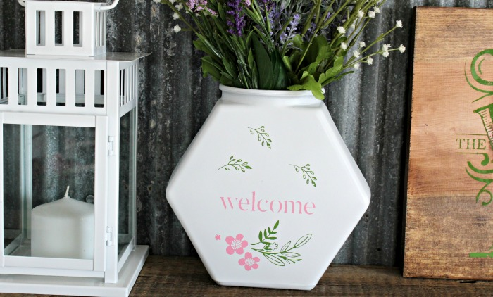 Painted Floral and Greenery Glass Jars with Chalk Couture by Knick of Time / knickoftime.net